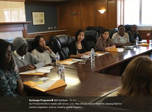 Fatoumata Kebe (2e en partant de la gauche), ici en séminaire à UCLA, université californienne. #Hiddennomore