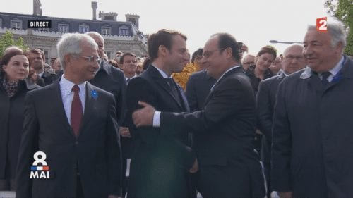 François Hollande, Emmanuel Macron et Manuel Valls à l'arrière-plan, cérémonie du 8-mai 8 mai 2017