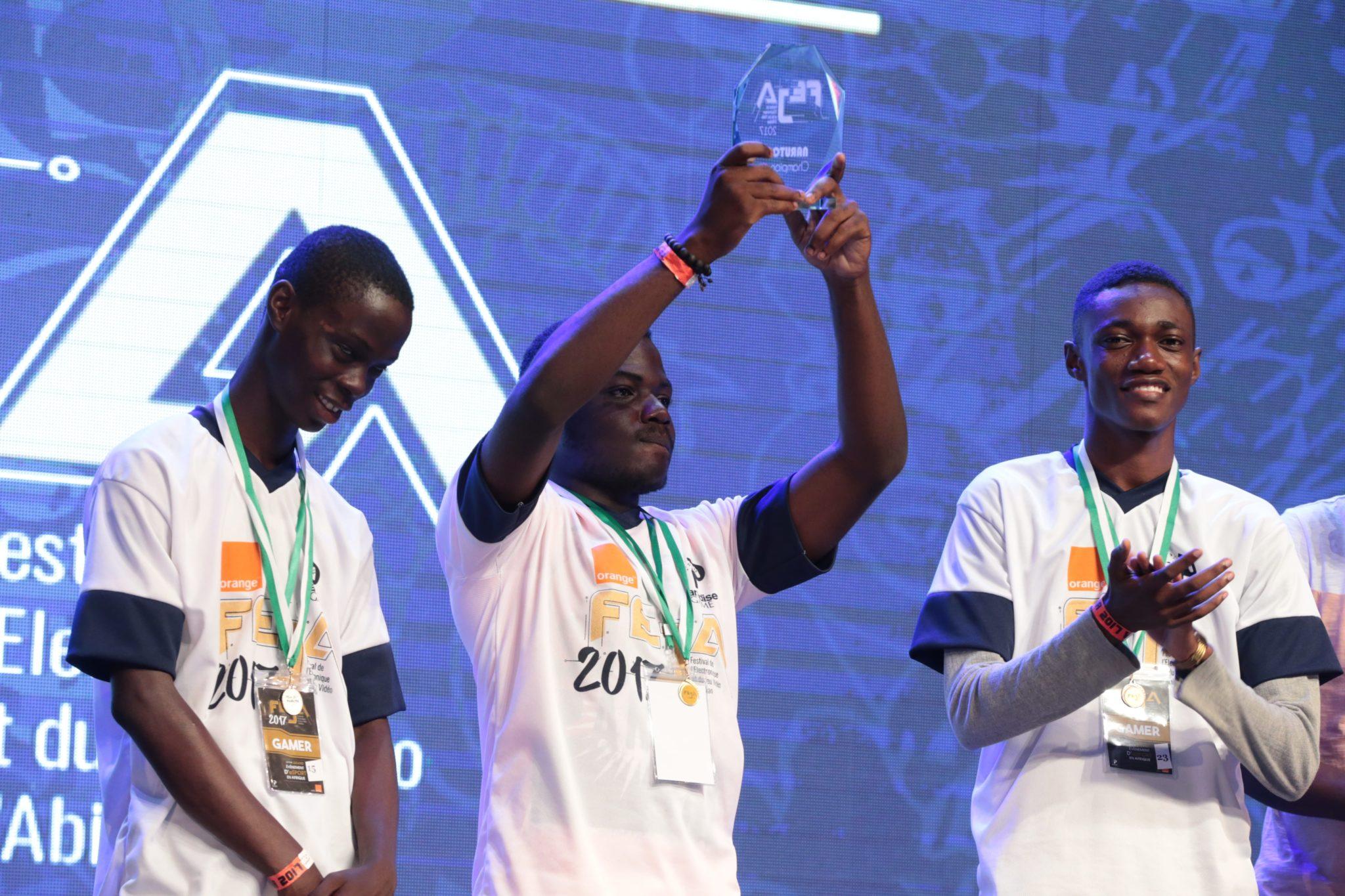 Abidjan a accueilli le premier et plus grand événement eSport en Afrique où 256 gamers se sont réunis au Palais de la Culture pendant deux jours de compétition, 11 et 12 novembre 2017.