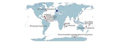 Les territoires français d'outre-mer sont peuplés de près de 2,68 millions d'habitants, soit un peu plus de 4% de la population résidant en France, et représentent 17,3% de la superficie du territoire.