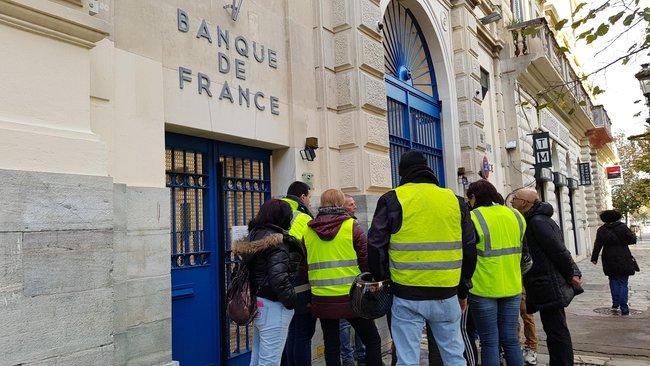 E.Macron est-il responsable à 100% de la crise des Gilets Jaunes ?
